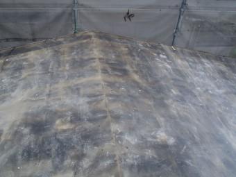 かわらUの撤去が完了した屋根