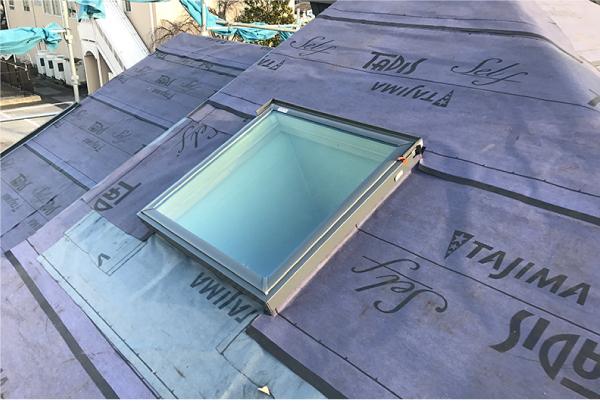 防水紙を立ち上げ天窓交換工事が完成