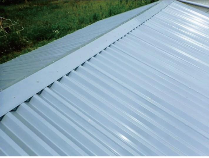 ガルバリウム鋼板の折板屋根材