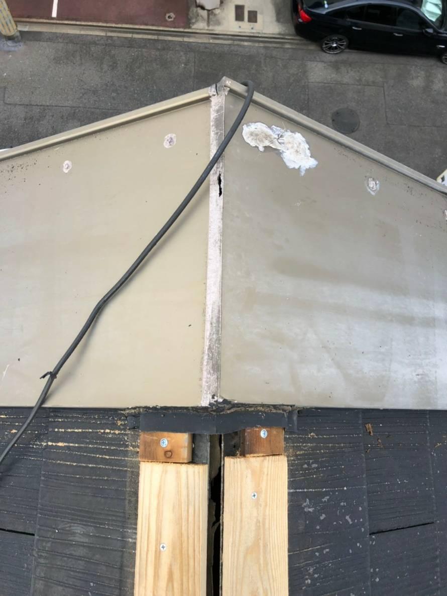 スレートの棟板金工事