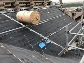 屋根面にルーフィング張り