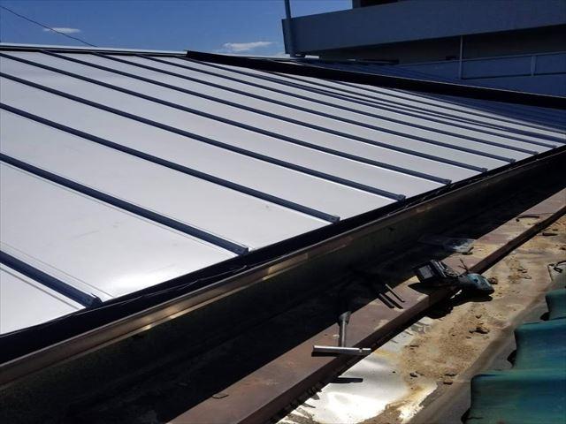 ビルの屋根瓦の葺き替え施工後