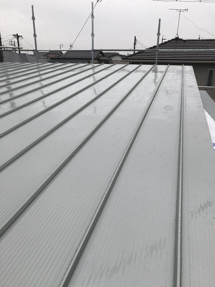 ガルバニュウム屋根