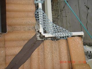 鳥の巣対策の網設置工事