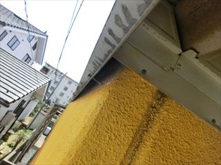 整備工場の折半屋根