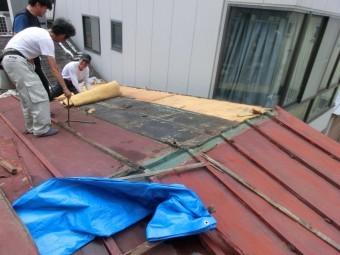 トタン屋根