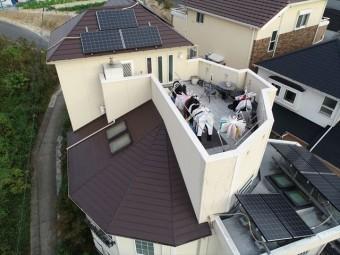 下屋根の上空写真