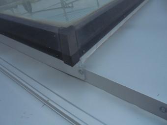 ガルバ竪葺き天窓部分施工後