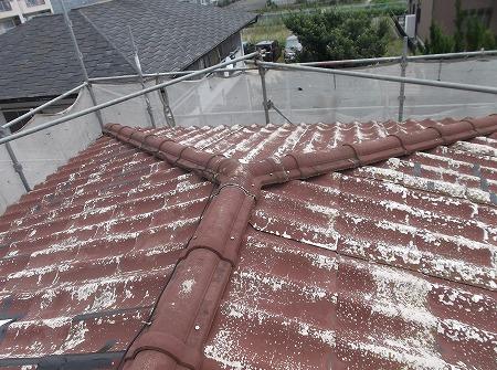 名古屋市 緑区|屋根瓦が新築からまだ14年ほどなのに表面が剥げてきて