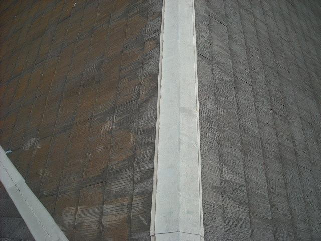 急勾配のスレート屋根点検