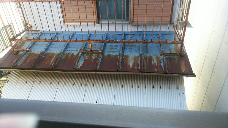 赤錆だらけの瓦棒屋根