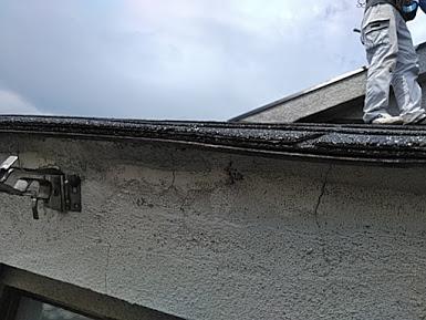 雨樋が台風で飛んだ