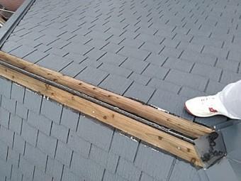 棟板金が飛ばされて補修