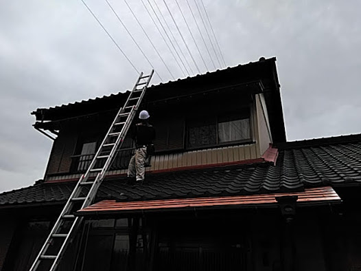 愛知県東海市 30年の日本瓦 台風で異状がないか診断 漆喰は?