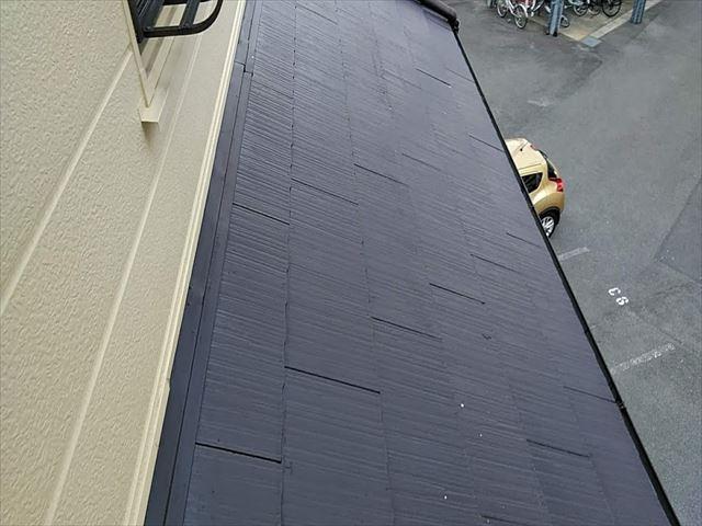 塗装したてのスレートの雨漏り