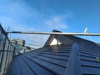 中京競馬場向かいの大邸宅の屋根工事