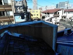 ビルの屋根瓦の葺き替え施工前