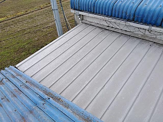 スレート工場の塗装と補修