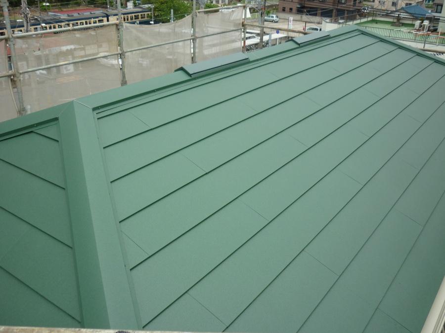 金属屋根に葺き替えました。