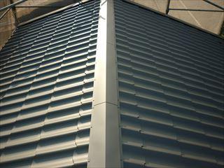 屋根鋼板瓦葺き替え