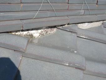 下屋根の棟