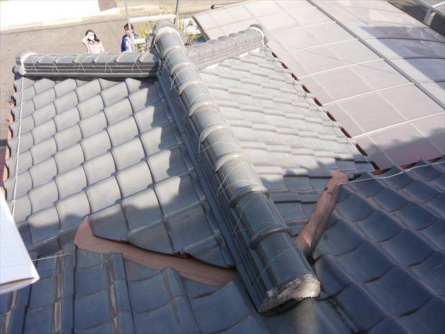 下屋根の瓦