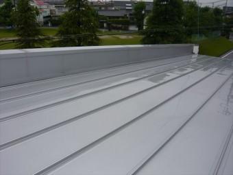 大屋根の袖壁