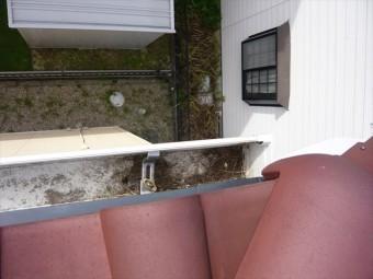 雨樋の詰りを確認