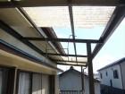 ベランダの屋根が飛散