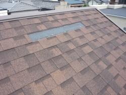 台風で屋根材が剥がれた部分