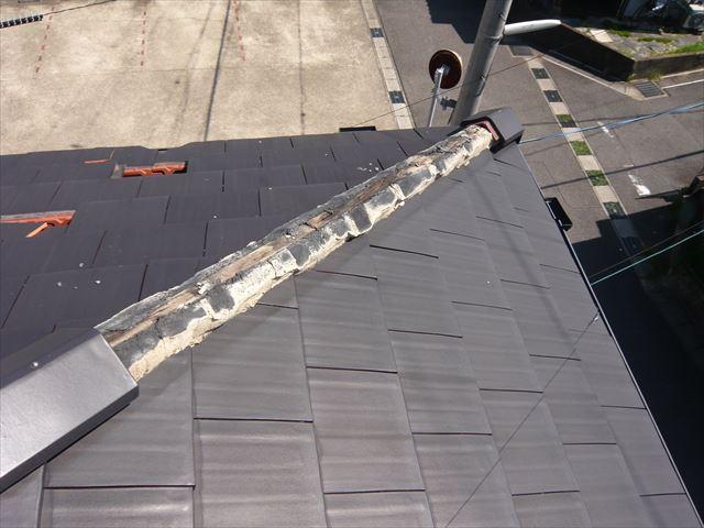 台風被害による棟瓦の落下
