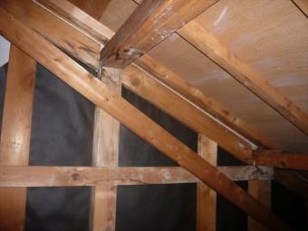雨漏り箇所の天井裏
