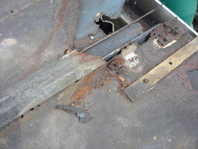 元屋根の錆による劣化