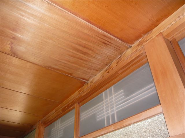 2階の天井の染み