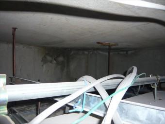 トイレの天井裏