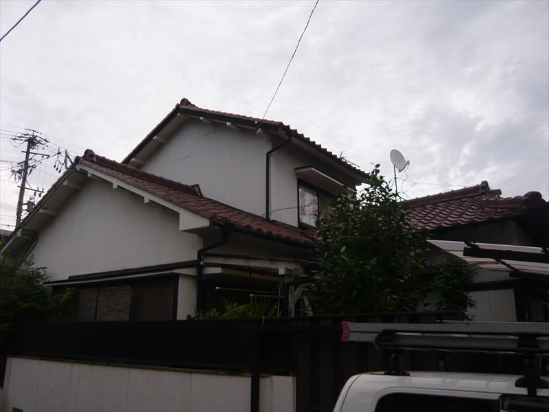 名古屋市東区にて瓦屋根で雨漏りで補修か葺き替えかのご相談