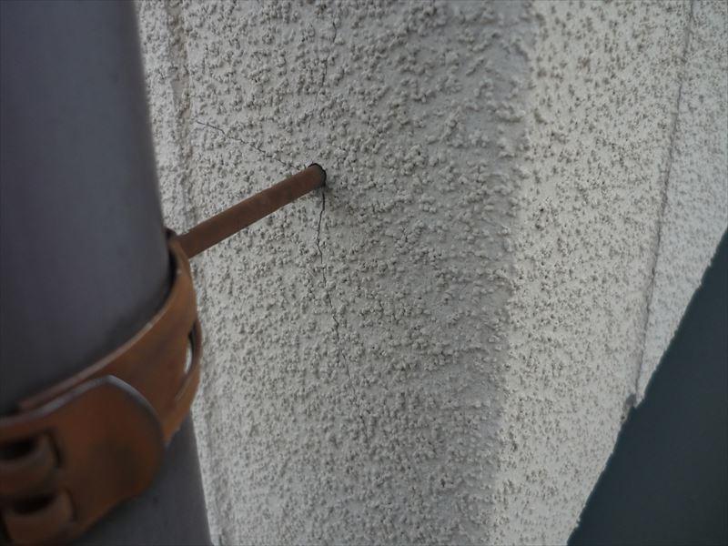 竪樋金具の錆