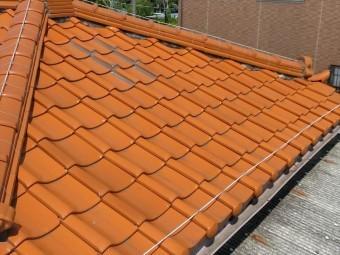 屋根の補修跡