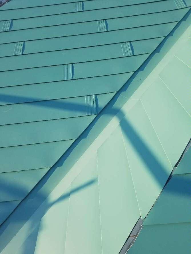 屋根葺き替え工事(太陽光付き)